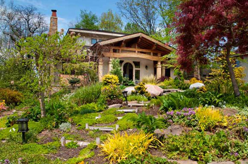 Home of Gus & Janet Kious - Photo © Bob Perkoski, www.Perkoski.com